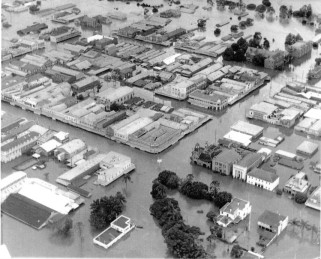 Lismore CBD in the 1954 flood. Photographic source unknown.