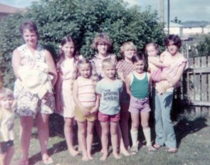 1975 family photograph in the front yard of 195 Casino Street, South Lismore