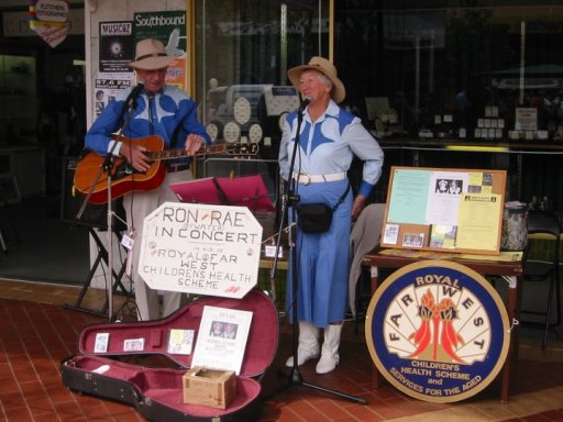 Ron and Rae busking in Tamworth