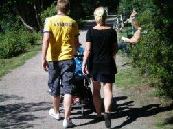 YYSD. A young Swedish dad, fru och barn.