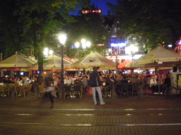 Leidesplein by night