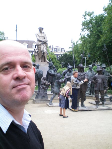 I figured if there was gonna be a fat tourist in my photograph of the Rembrandt Monument, it might as well be me.