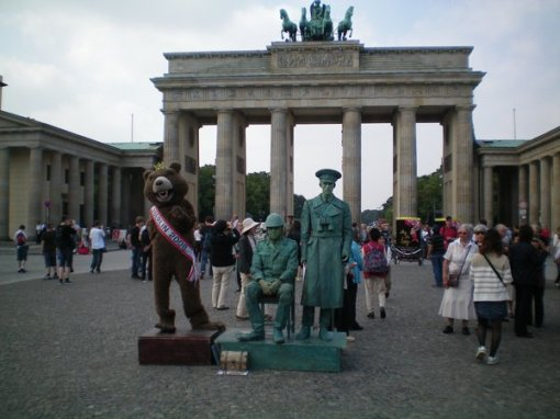 """I normally hate """"statue buskers"""" but these ones were quite good, near the Brandenburg gate."""
