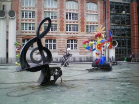 Greater water statues at Centre George Pompidou