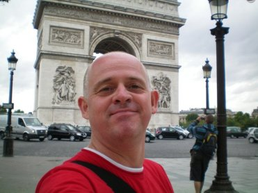Another bloody Aussie tourist in Paris.