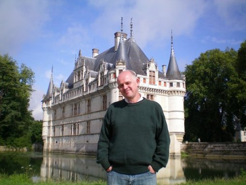 James in front of castle of Azay-de-Rideau.