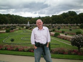 James in the garden of Dianne d'Poitiers at the Castle of Chenonceau.