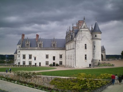 Amboise: the first of the medieval fortresses to be turned into a renaissance palace.