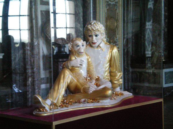 MIchael Jackson and Bubbles by Jeff Koons on display at Versailles, France 2008