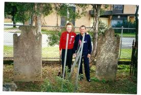 Val Horne from Brighton-Le-Sands & Cousin, Kevin Egan from Albury at the Graveyard. May 1998.