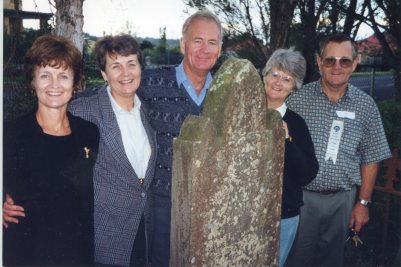 Vic Rixons family at Amelia Goodwins grave 1998 Joye, Faye, Bill, Anne, Jim thanks to Joye Walsh