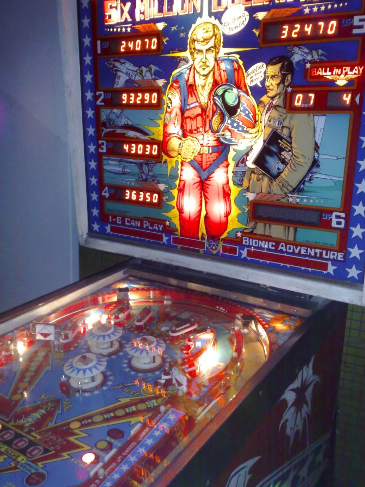 Six Million Dollar Man Pinball Machine
