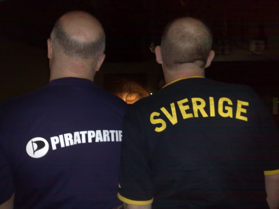 Grant and I were dressed for the part. Grant is wearing a Pirate Bay Party t-shirt, while I am wearing a Swedish football team t-shirt.