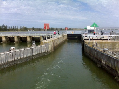 Going through the weir at Goolwa