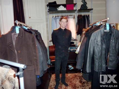 Walk-in-closet för dagen omgjord till gästgarderob – komplett med garderobiär. Courtesy QX.se