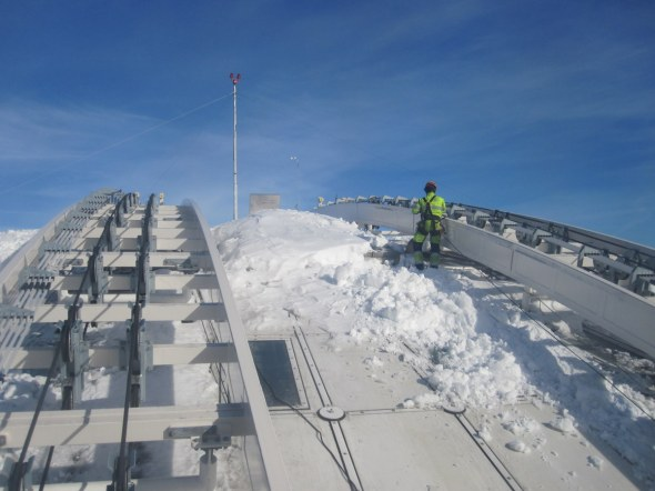 Skyview - ice and snow being removed from Globen