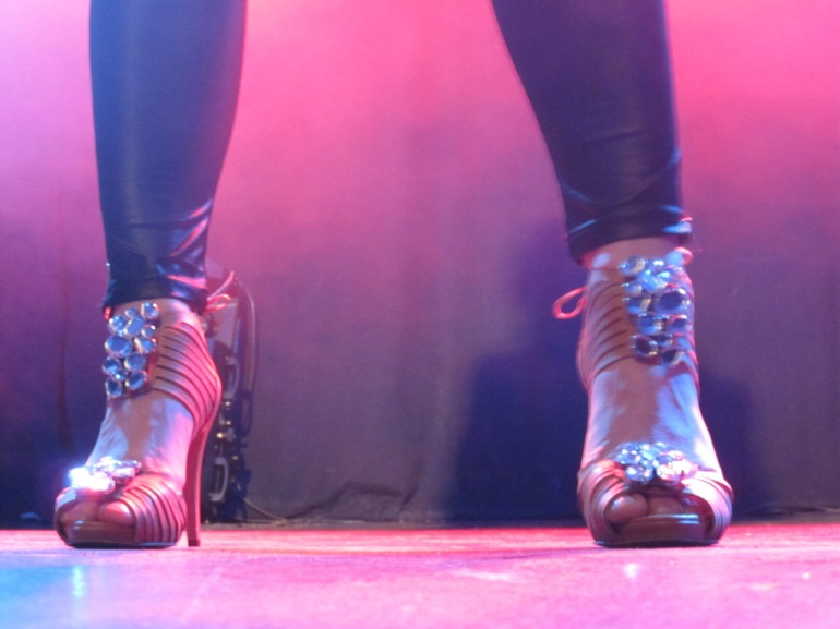 The feet of Shirley Clamp