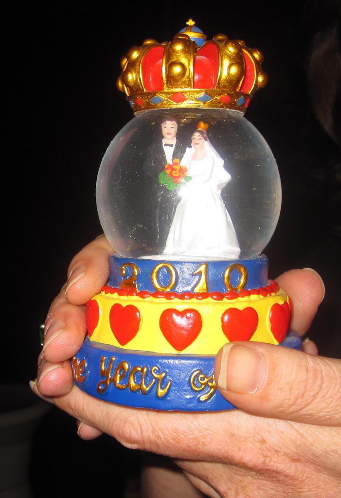 Swedish royal wedding snow dome