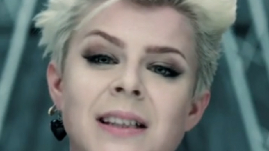 Robyn from clip Dancing with Myself