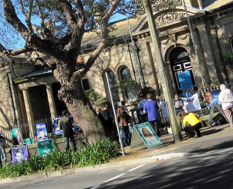 Voting queue at Bourke Street Primary School