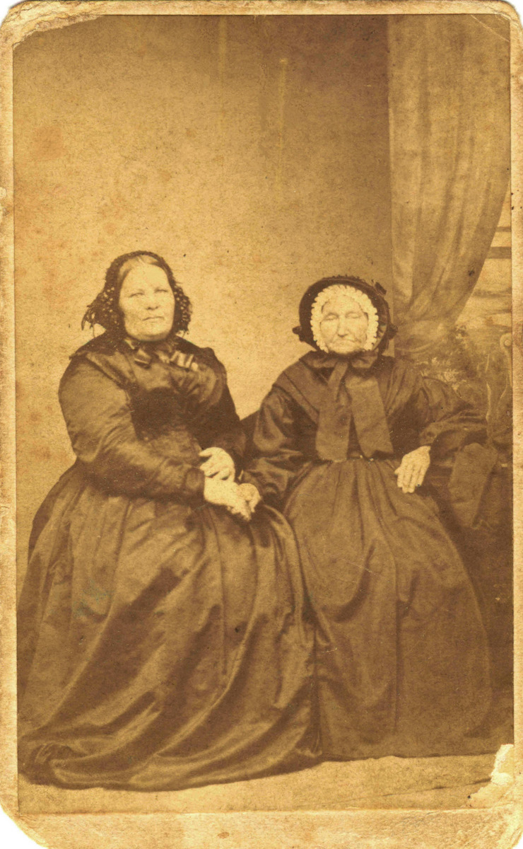 Elizabeth Hore and Ann Phibbs photo from 1865`