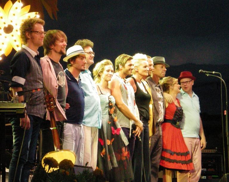 Peter Joback and Eva Dahlgren played Stockholm in 2008