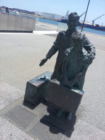 Child immigration statue at Fremantle