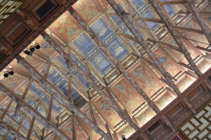 The ceiling of the legislature at Stockholm Town Hall, Stadshuset, with the blue depicting sky, and the idea that ideas/decisions would be shared directly with the cityfolk.