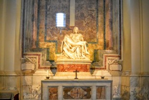 The amazing statue by Michelangelo in St Peters.