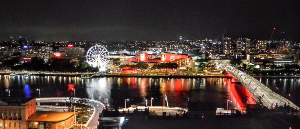 Brisbaneś Southbank at Night.