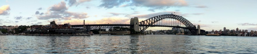 Sydney Harbour Bridge panorma