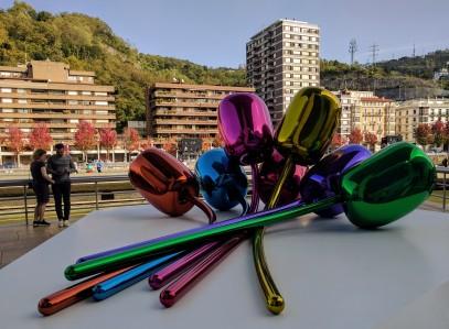 Jeff Koons - Tulips in Bilbao