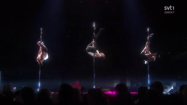 Mello Pole Dancers